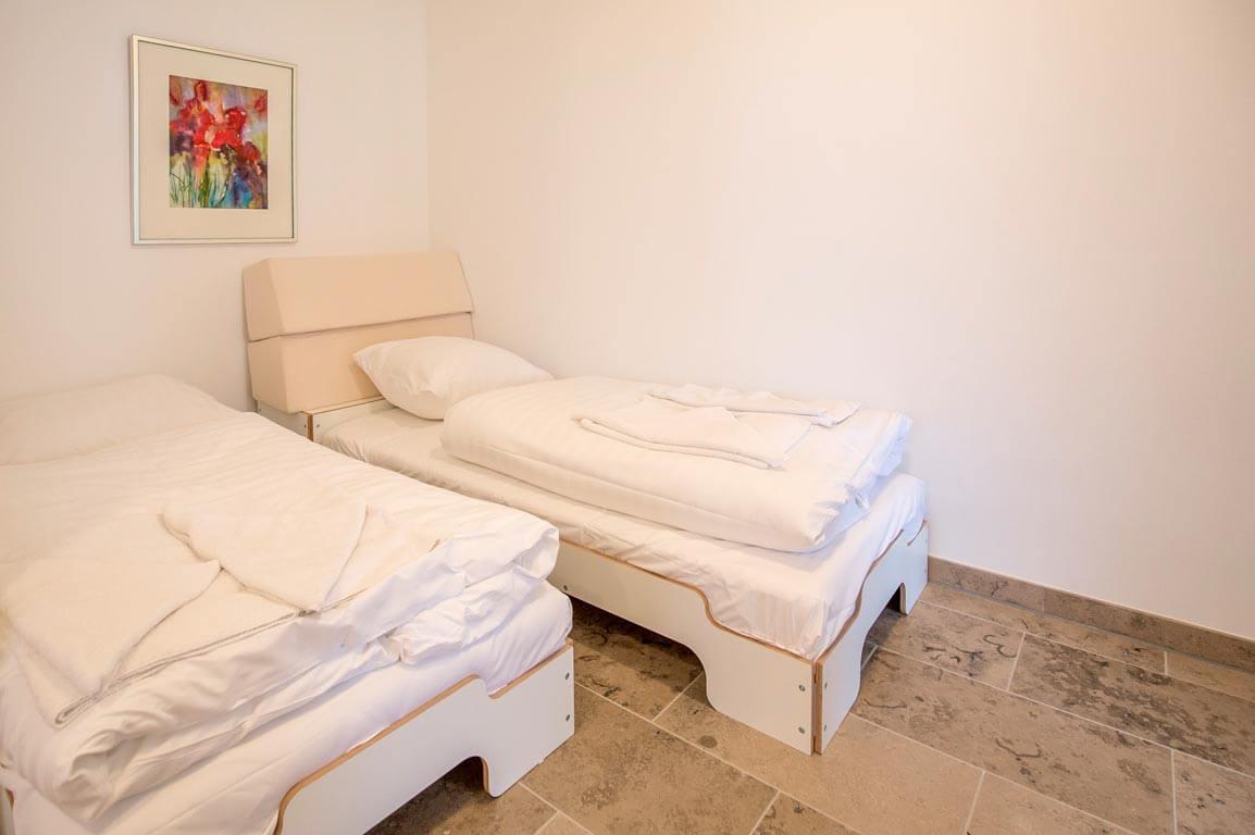 Ruegen-Binz-Ferienwohnungen-SB005-05-Schlafzimmer-2_exklusiv