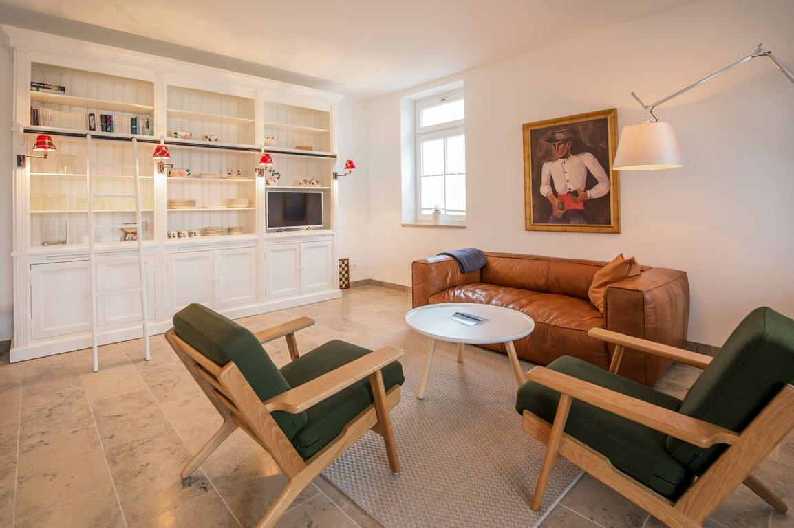 Ruegen-Binz-Ferienwohnungen-SV009-03-Wohnzimmer-exklusiv