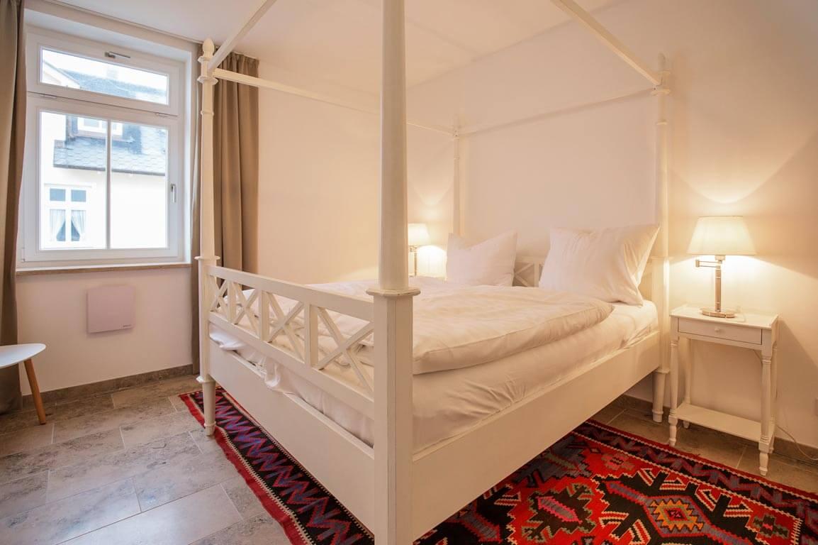 Ruegen-Binz-Ferienwohnungen-SV009-05-Schlafzimmer-exklusiv